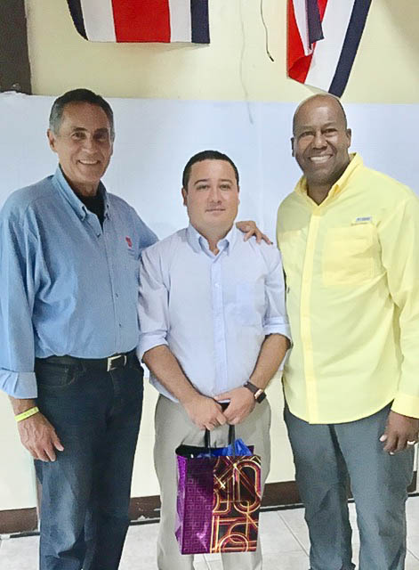 (L-to-R) AASA Executive Director Dan Domenech, Principal Louis Rojas and AASA President Alton Frailey.